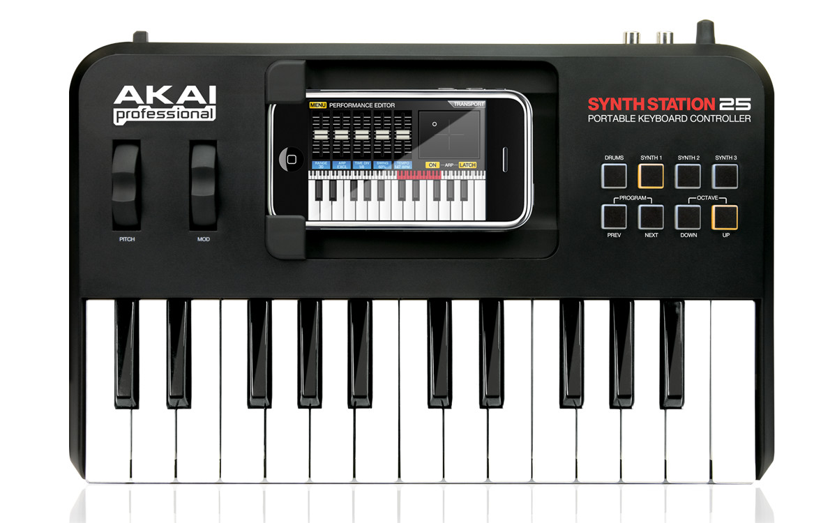 akai professional synthstation25 portable 25 note mini keyboard with a built in dock for that. Black Bedroom Furniture Sets. Home Design Ideas