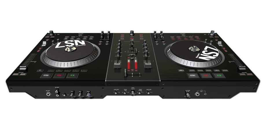 Numark ns7 a performance dj controller featuring serato for Dj controller motorized platters