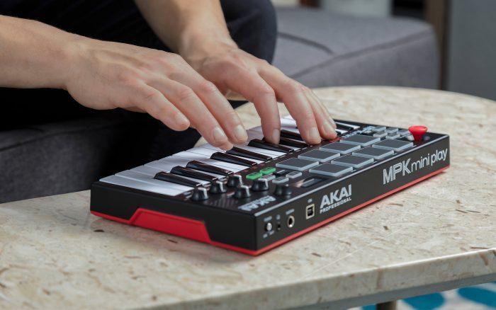 Akai Pro MPK Mini Play